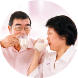 2 couple drinking milk